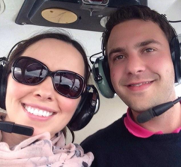 Doi tineri proaspat casatoriti au murit intr-un teribil accident aviatic. Cei doi mergeau acasa, sa faca Pastele in familie