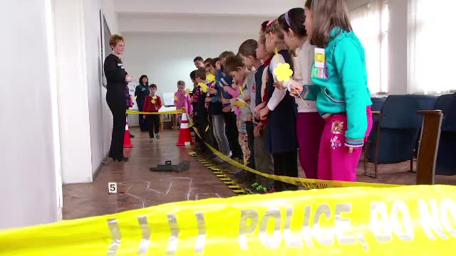 Scoala Altfel: saptamana in care elevii devin profesori sau invata ce-nseamna sa fii politist sau medic