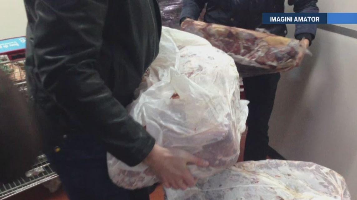 Carne expirata de aproape un an a fost descoperita intr-o piata din Voluntari. Doua tone si jumatate de produse, confiscate