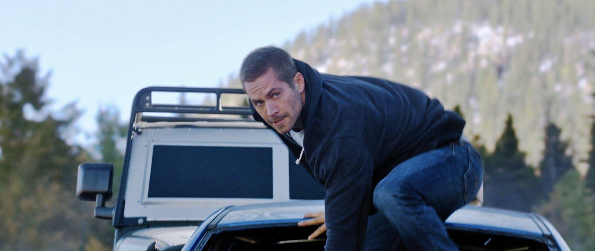 Secretul incasarilor uriase obtinute de Furious 7. Ultima cursa a lui Paul Walker a umplut salile de cinema