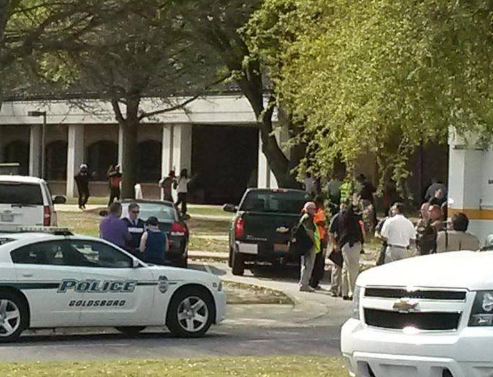 Incident armat intr-un campus universitar din Statele Unite: o persoana a fost impuscata mortal in biblioteca