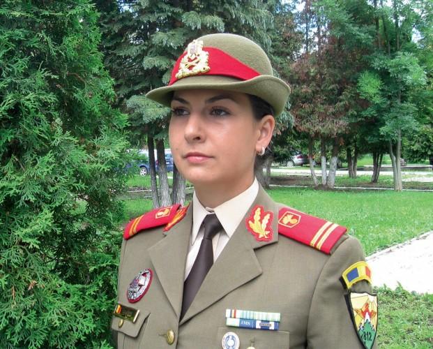 Povestea Andreei Ciurea, romanca de 26 de ani care a fost deja in prima misiune in Afganistan. Drumul de la Bistrita la Zabul