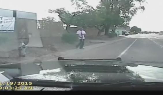 Inregistrare VIDEO socanta. Ce face un politist american ca sa prinda un suspect de crima, care era inarmat