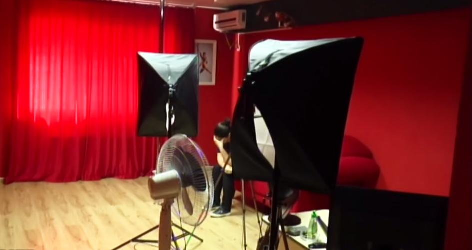 Cum arata in realitate un videochat erotic din Moldova. Politia a descins in