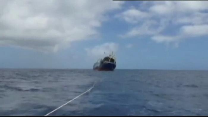 Un vas de pescuit rusesc s-a scufundat in largul Insulelor Canare. Greenpeace avertizeaza ca exista risc de poluare