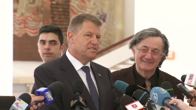 Klaus Iohannis i-a ironizat pe alesii care vor sa-si acorde, prin lege, pensii speciale, la final de mandat