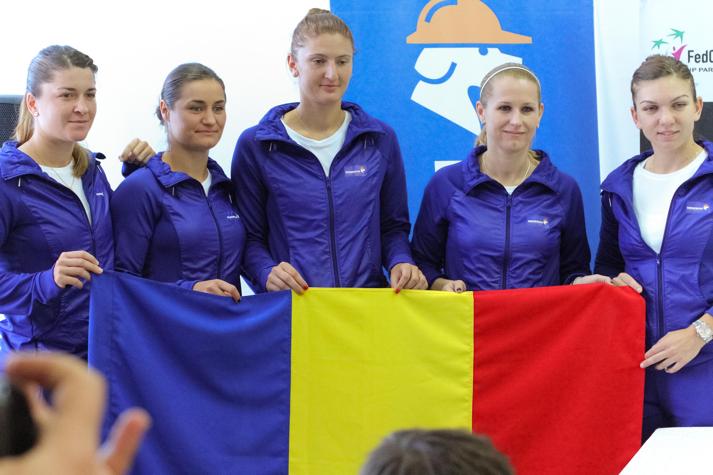 Voluntarii din Miscarea Sportiva a Studentilor Transilvaneni colaboreaza cu FRT la Fed Cup de la Cluj