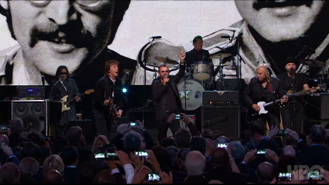 Ringo Starr a fost inclus in Rock and Roll Hall of Fame. Artistul este ultimul membru al trupei The Beatles omagiat astfel