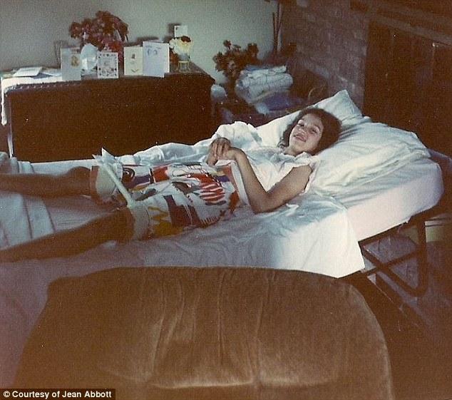 A stat 30 de ani imobilizata la pat din cauza unui diagnostic gresit. Povestea femeii care si-a redobandit sanatatea. FOTO