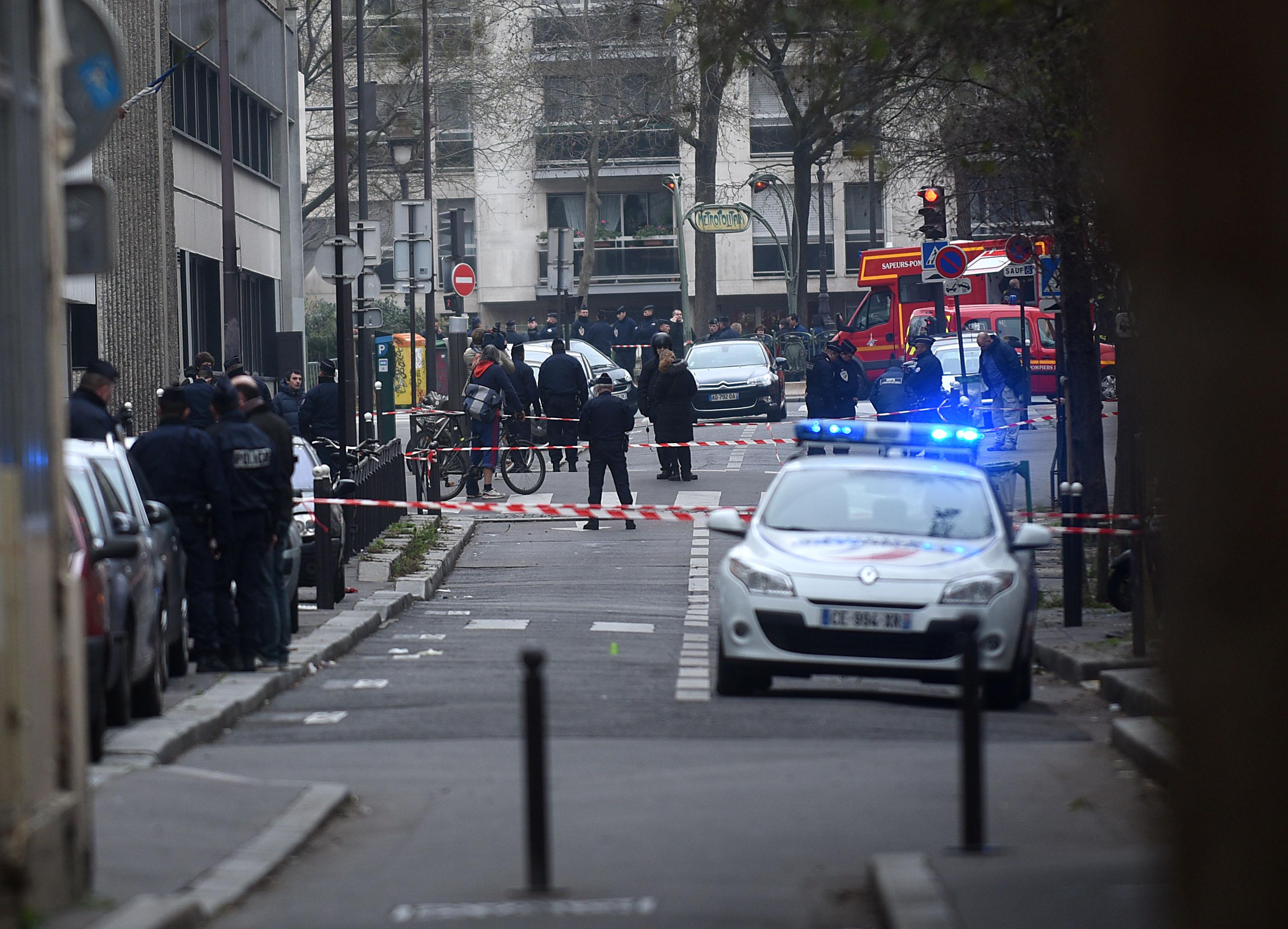 Atentat la o biserica din Paris, dejucat in mod intamplator de catre politie: