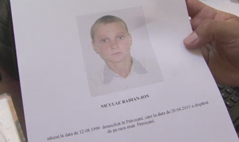 Un adolescent din Petrosani a disparut fara urma de cateva zile. Reprosurile mamei lui inainte sa fuga de acasa
