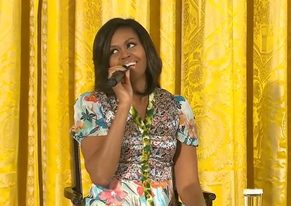 Complimentul savuros pe care Michelle Obama l-a primit de la o fetita, in timpul unui eveniment la Casa Alba. VIDEO