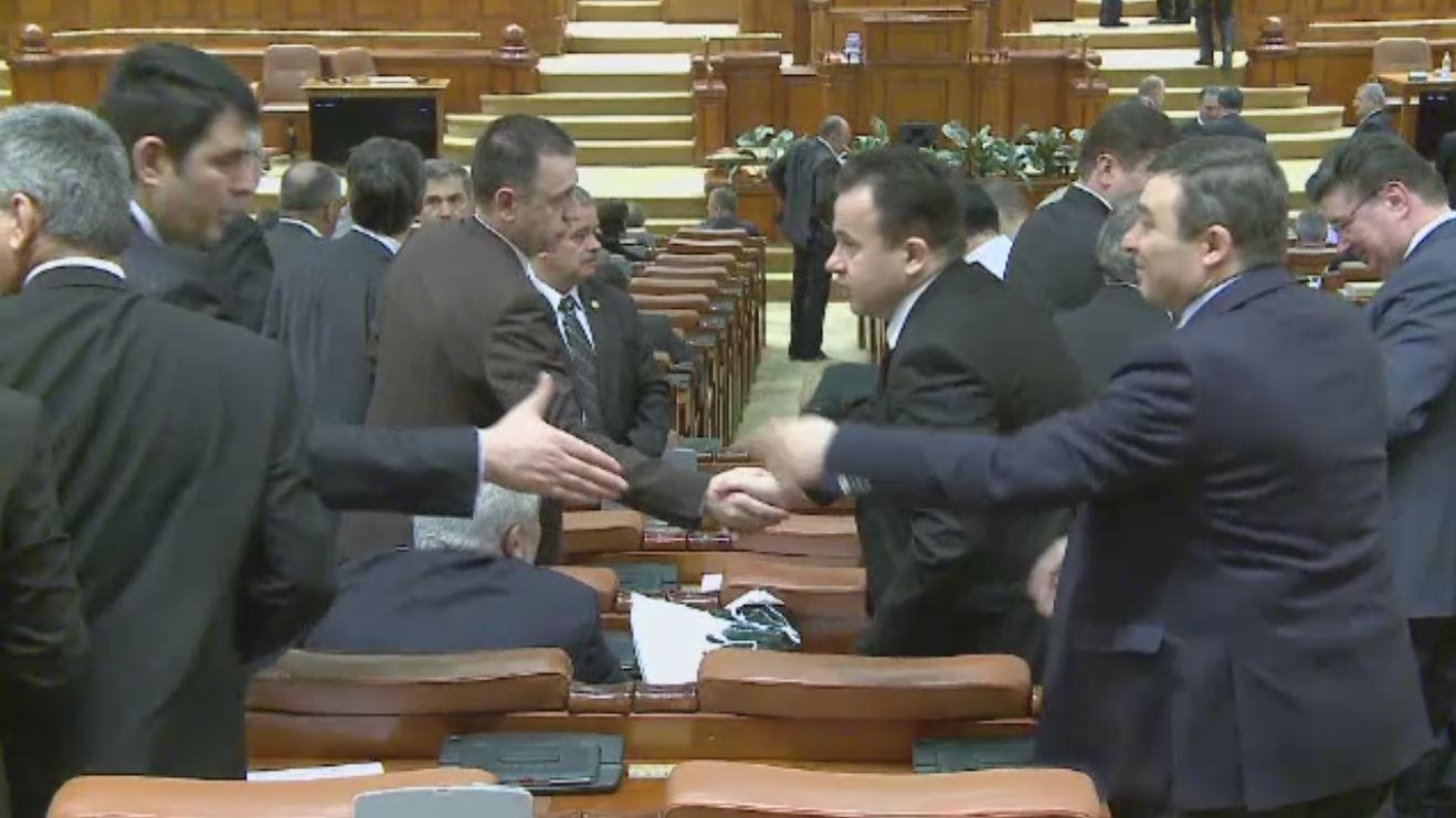 Alesii pregatesc sa schimbe ceva in Parlament: soneria. De acum inainte, din boxe se va auzi numai muzica simfonica