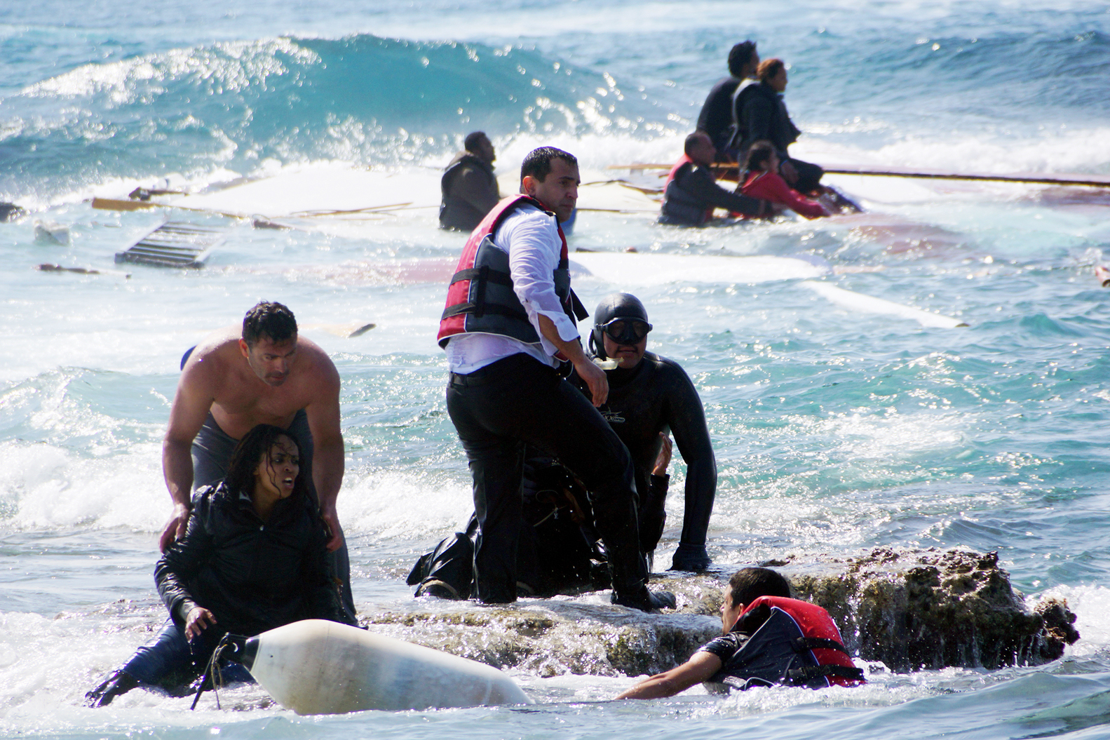 Povestea traumatizanta a unei tinere din Eritreea care a naufragiat in largul Greciei, intr-o barca de lemn: