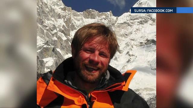 Ultimul alpinist roman de pe Everest a fost evacuat cu elicoperul. Zsolt Torok intentiona sa continue expeditia dupa cutremur