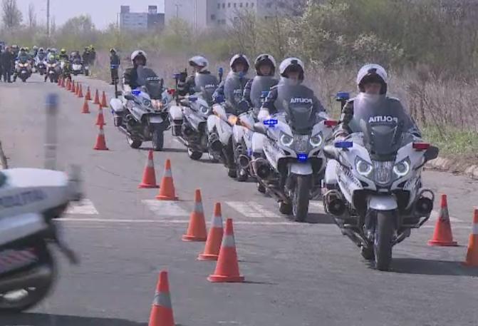 Soferii din Capitala, supravegheati de acum incolo de politisti pe motociclete. Cum au fost antrenati agentii