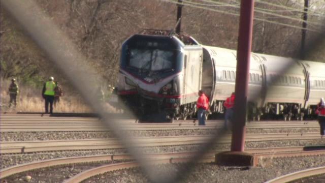 Un tren de mare viteza a deraiat in SUA si a lovit un excavator. Bilantul accidentului: doi morti si 35 de raniti
