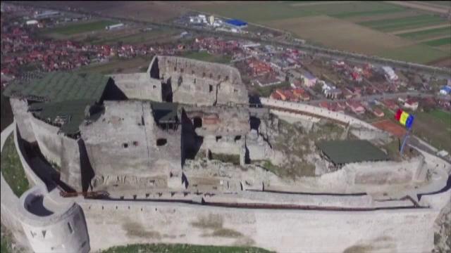 Cetatea Devei s-a redeschis, dupa 3 ani. Noutatile pe care le-au descoperit primii turisti, dupa restaurari