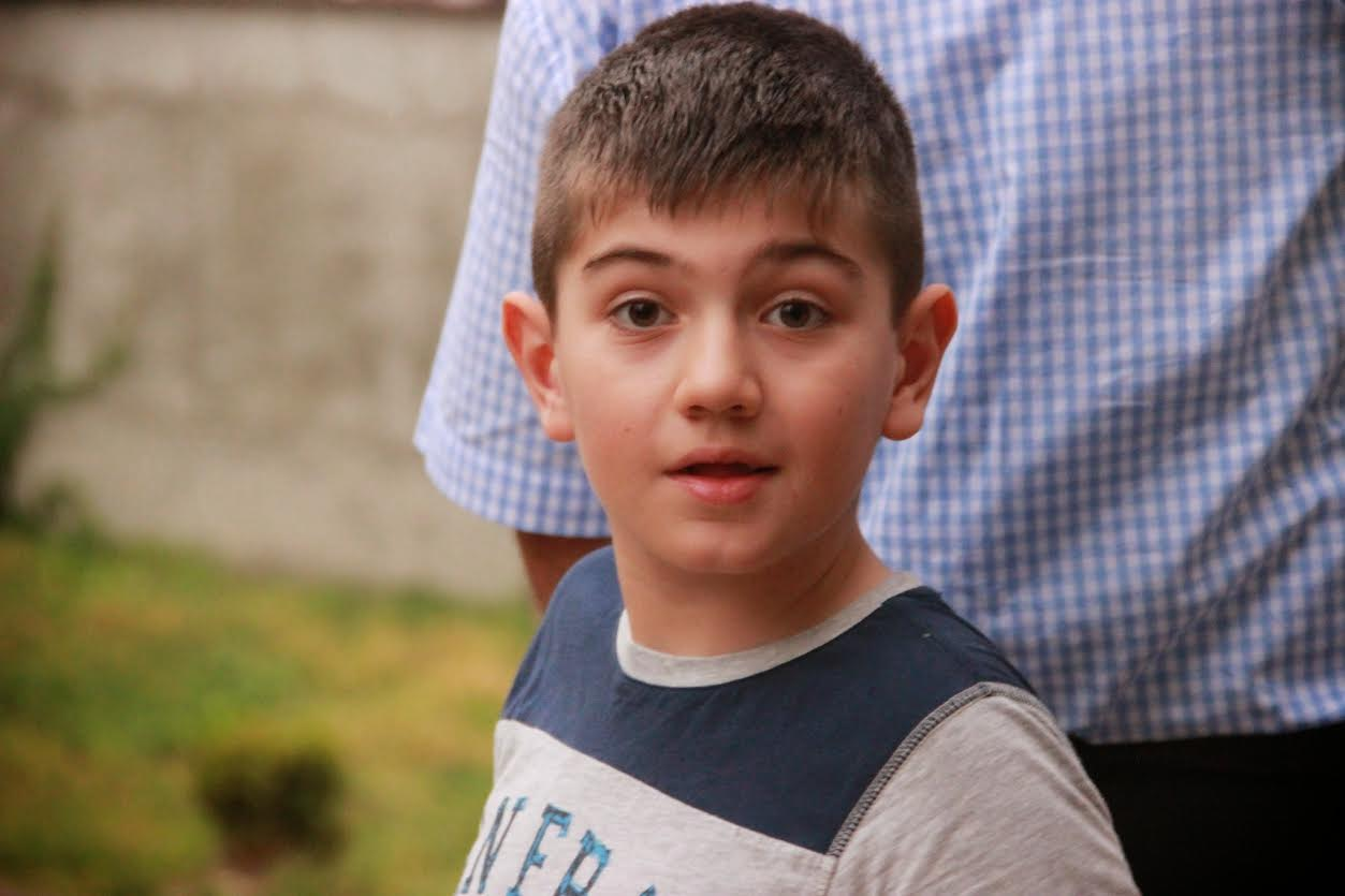 Cristi are nevoie de ajutor URGENT pentru un tratament in Germania. Printr-o donatie ii poti schimba viata
