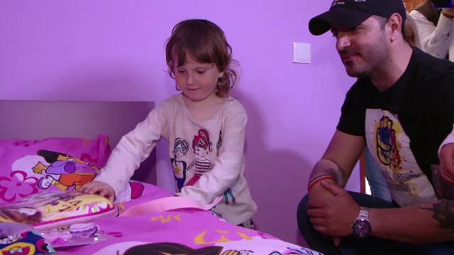 Doi copii sarmani au pentru prima data propria lor camera. Casa