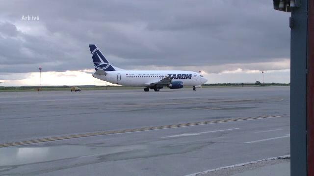 Aterizare de urgenta pe aeroportul din Timisoara, dupa ce pasagerul unei curse TAROM a lesinat. Ce a facut cand s-a trezit