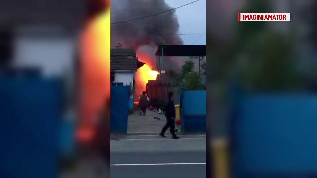Incendiu puternic in Baia Mare. O familie a ramas fara acoperis deasupra capului chiar in duminica Floriilor