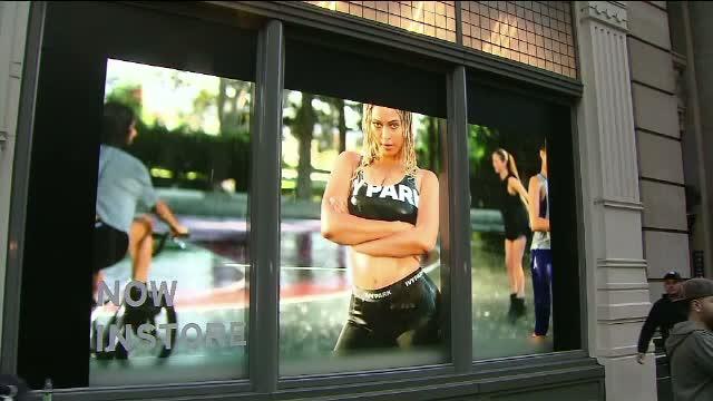 Un panou publicitar cu Beyonce a provocat un adevarat scandal intr-un cartier din New York. Motivul nemultumirilor