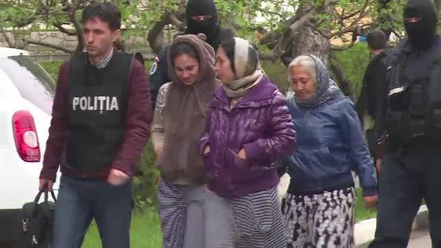 Noua femei din Prahova ar fi intocmit acte false pentru a primi indemnizatii de crestere a copilului. Ce risca acum