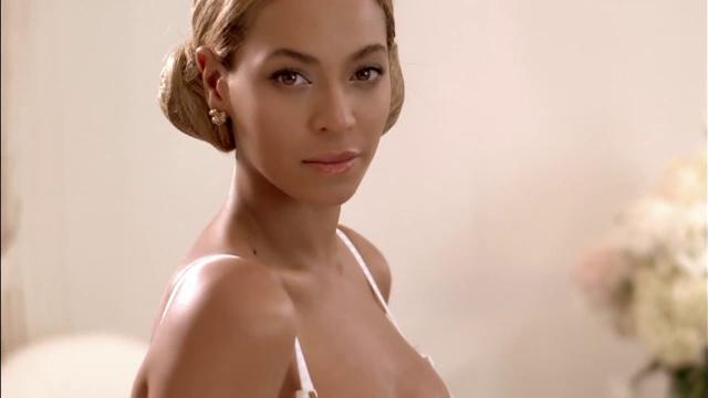 Beyonce va naste gemenii acasa. Cantareata si-a amenajat un salon de maternitate de peste 1,6 milioane de dolari