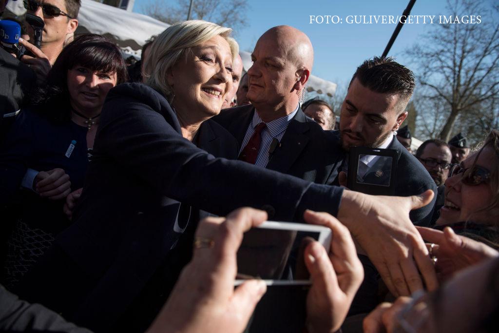 Violente la un miting electoral al lui Marine le Pen, in Corsica. De ce vrea sa interzica toate meciurile de fotbal pe 5 mai