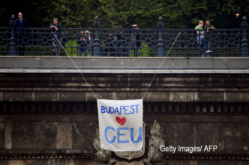 SUA cer Ungariei sa suspende implementarea legii care ameninta universitatea finantata de George Soros