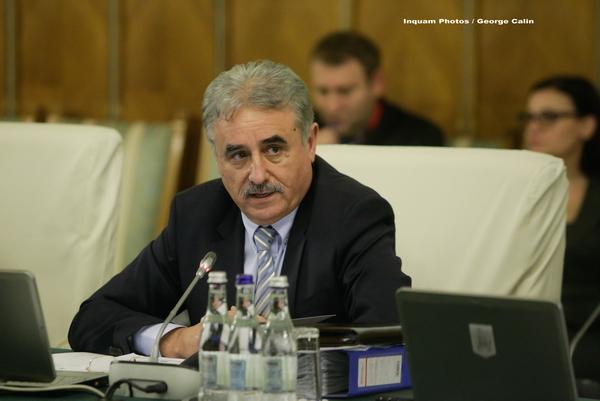 Ministrul Finantelor nu a fost lasat de PSD sa dea explicatii in Parlament despre legea salarizarii. Motivul invocat