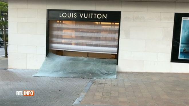 Roman arestat in Belgia, dupa un jaf la Louis Vuitton. Omul a folosit masina ca pe un berbec