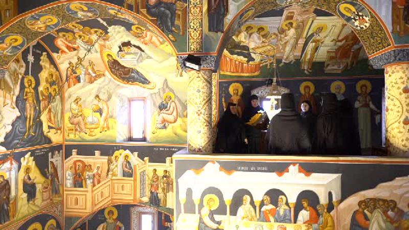 Un calugar de la manastire este acuzat ca a uitat de cele sfinte si a lasat insarcinata o femeie in varsta de 30 de ani