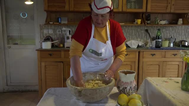 Retete de pasca pentru masa de Paste. Secretele bucatareselor din Moldova si Ardeal