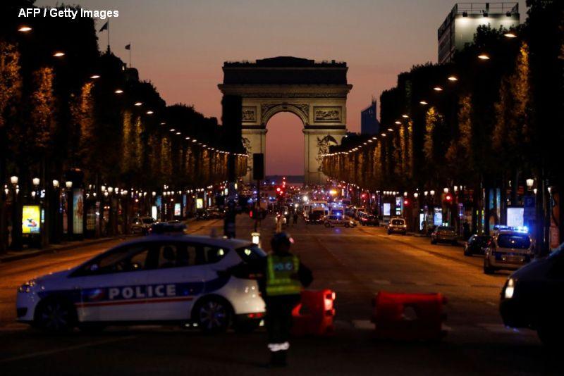 Atac terorist pe Champs-Elysees, cu trei zile inainte de alegerile prezidentiale. Statul Islamic a revendicat atentatul.VIDEO