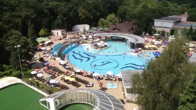 Idei pentru vacanta de 1 mai. Ofertele turistice pentru apele termale de la Baile Felix sunt pentru toate buzunarele