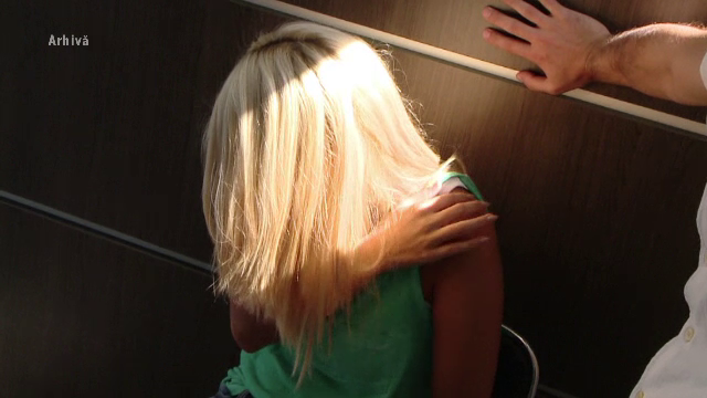 Fetiță agresată într-un pod. Bărbatul purta rochii și îi aplica tratamente cu electroșocuri