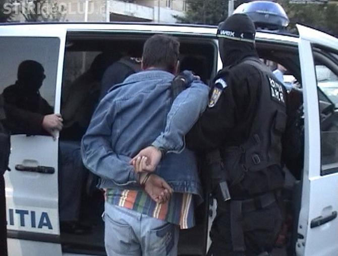 Scandal cu focuri de armă în Cluj, din cauza unei boxe scoase pe trotuar. Un bărbat a fost arestat