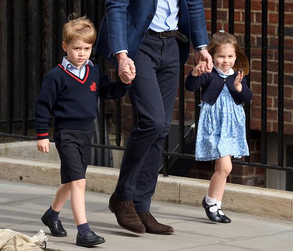 Gestul adorabil pe care prințul George l-a făcut pentru surioara lui când și-au vizitat noul frate. VIDEO