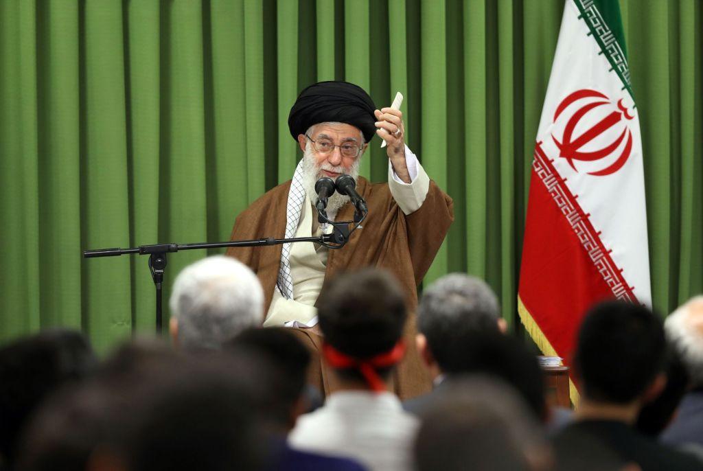 """Liderul suprem iranian: """"Israelienii au fost obligaţi să accepte înfrângerea"""""""