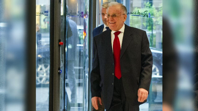 Fostul preşedinte Ion Iliescu a fost externat din spital