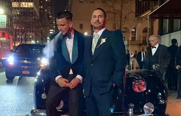 Marc Jacobs s-a căsătorit cu partenerul său. Ce declarație i-a făcut în ziua nunții