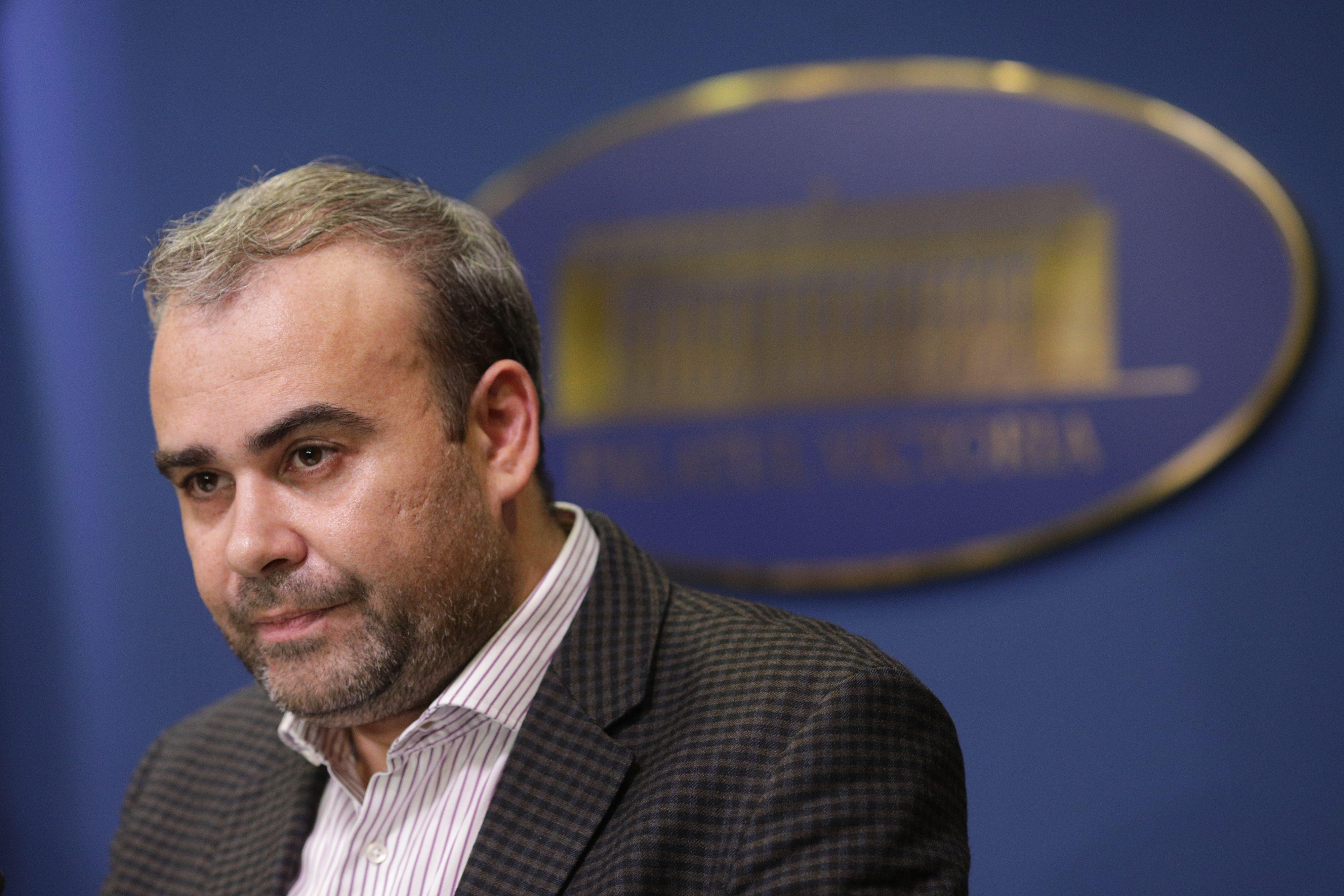 Darius Vâlcov, achitat de Tribunalul Gorj într-un dosar de instigare la dare şi luare de mită