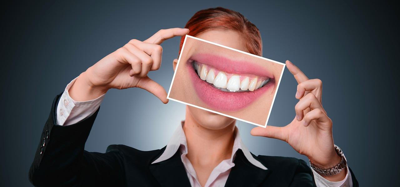 (P) Tipuri de implanturi dentare asigurate de clinică stomatologică PlazaDent