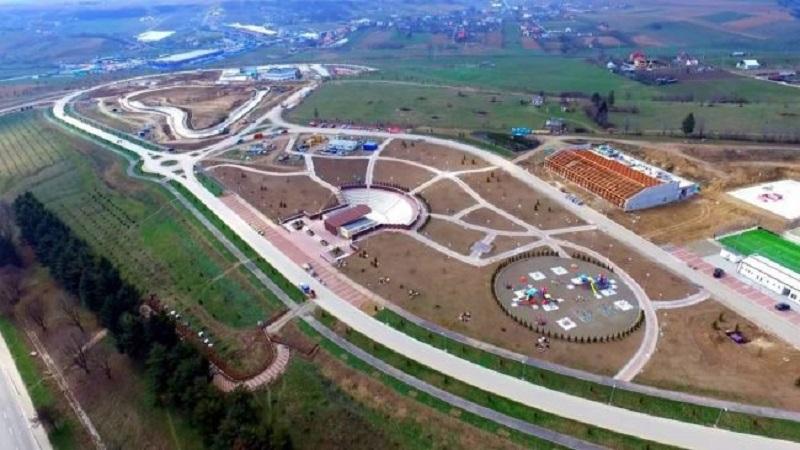 Show de 100.000 € la deschiderea unui parc acvatic într-unul dintre cele mai sărace județe din țară