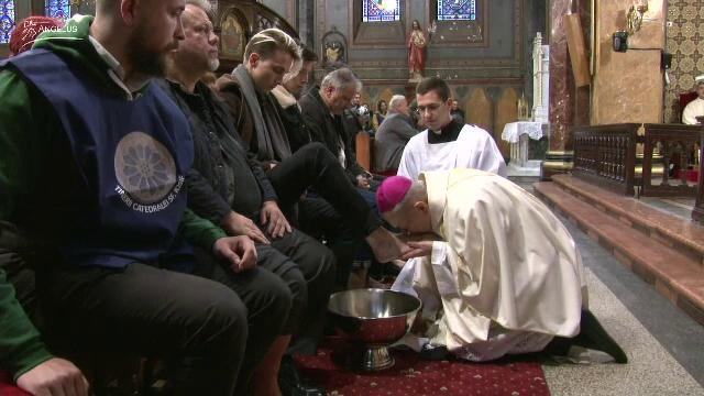 Joia Mare pentru romano-catolici. Ce simbolizează rituaul spălării picioarelor