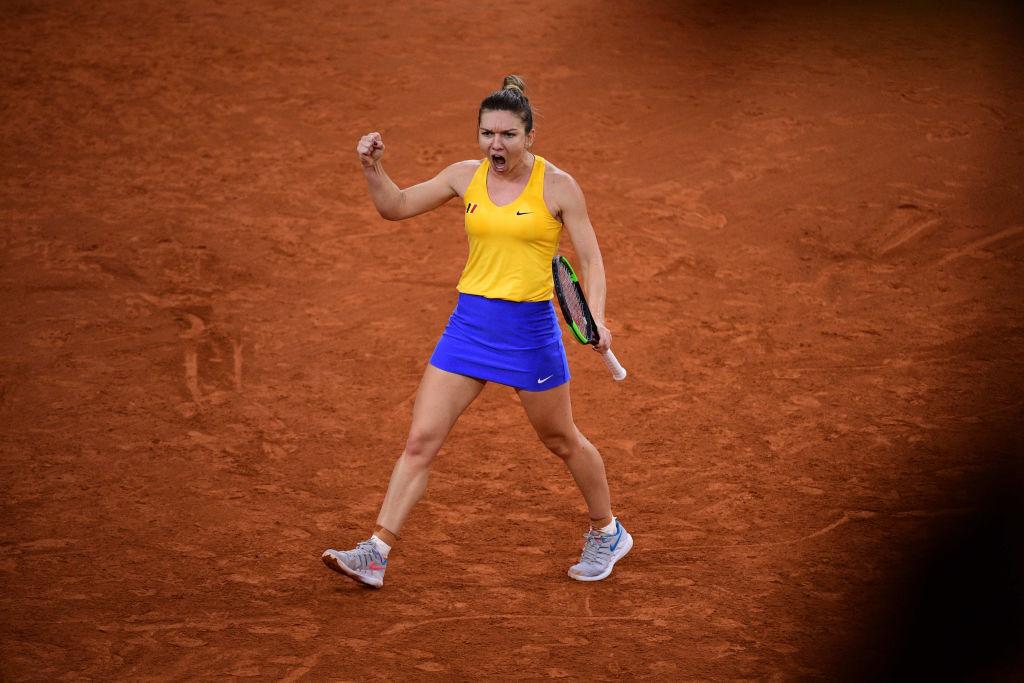 România - Franța 1-1 în semifinala Fed Cup. Victorie pentru Halep, înfrângere Buzărnescu