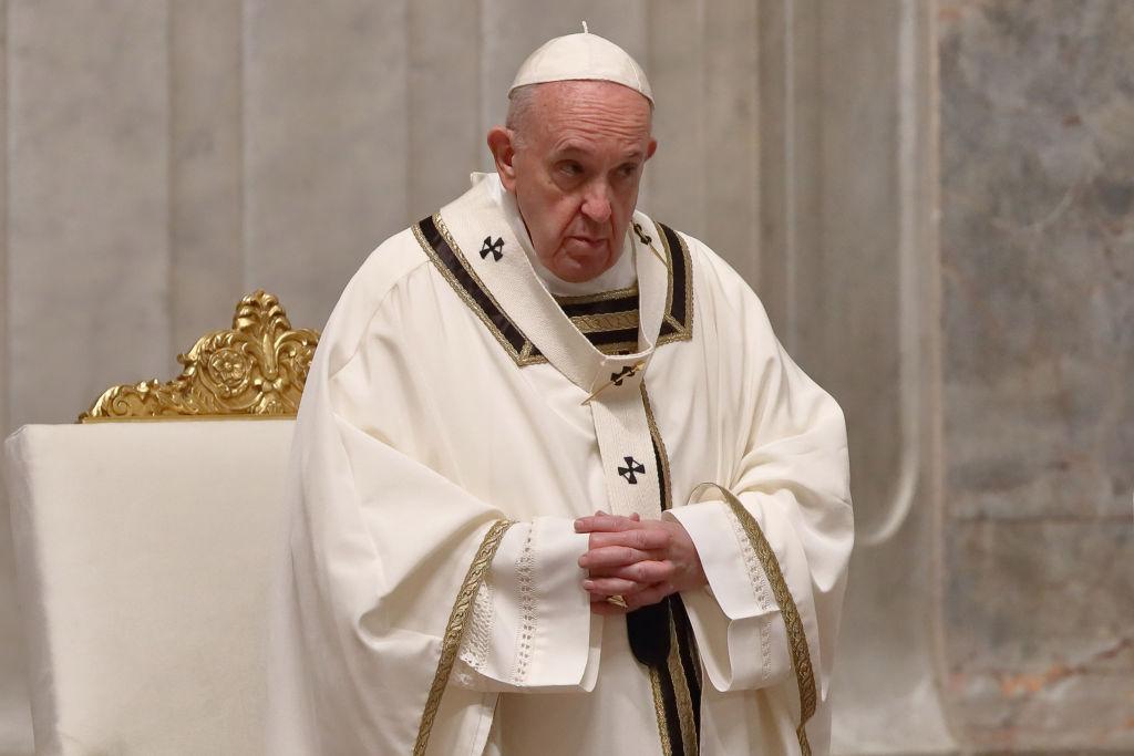 Papa Francisc, din nou fără mască la întâlnirea cu premierul Spaniei. Și Pedro Sanchez a renunțat la ea