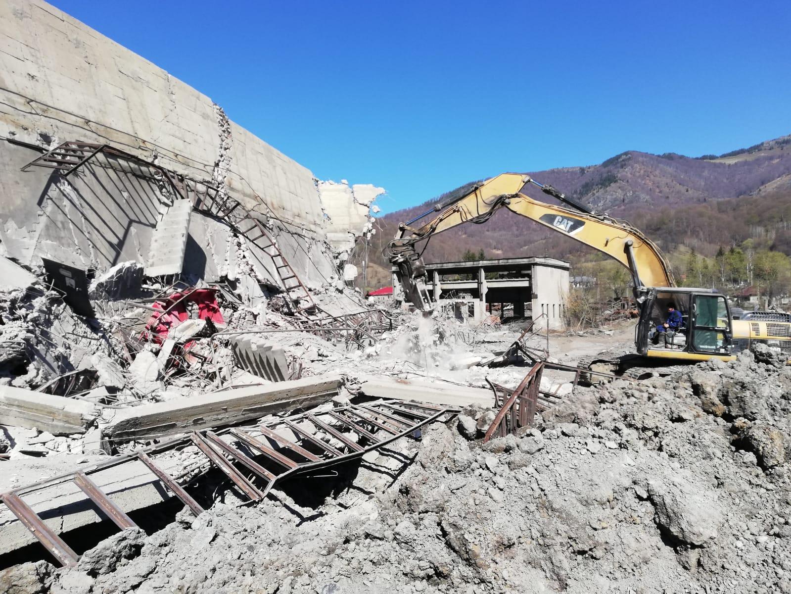 Ambii mineri dispăruţi la Mina Uricani au fost găsiţi decedaţi, sub tone de moloz